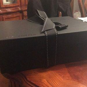 YSL Calfskin Handbag $100% shoulda bag